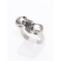 Ring mit zwei Totenköpfen 49EM631