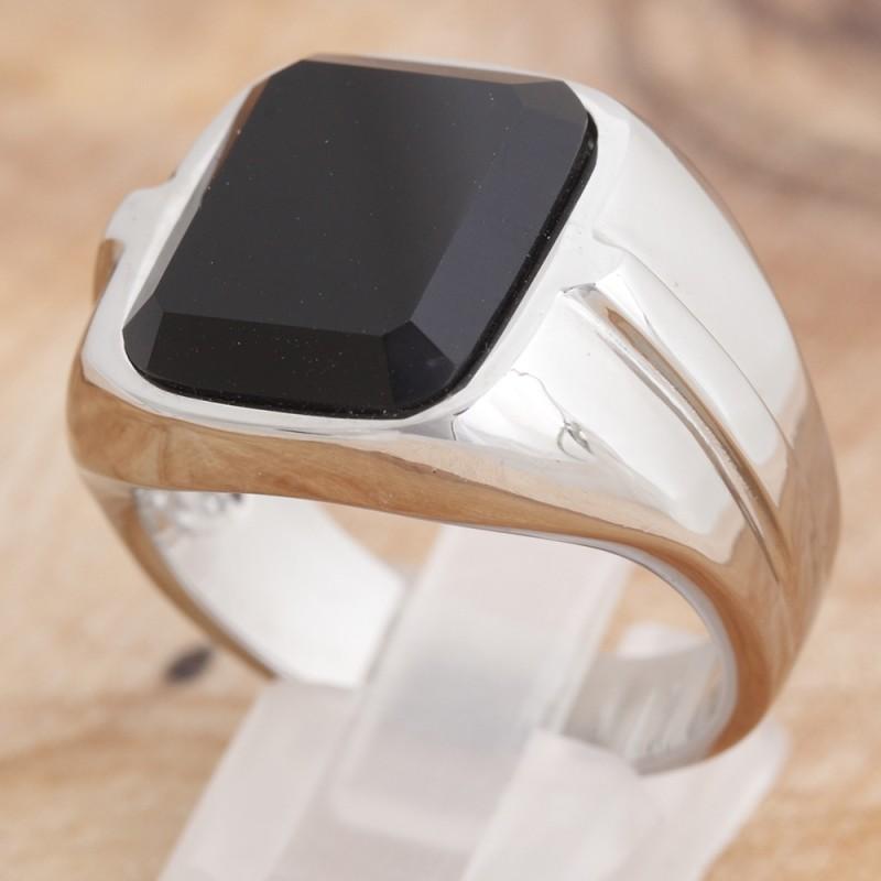 Ring mit schwarzem Glasstein 35ST169